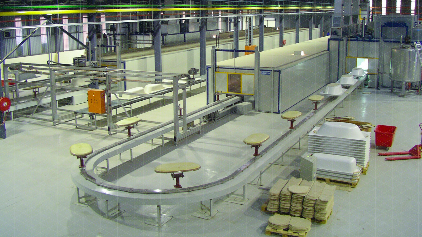 Lines for acrylic sanitaryware production